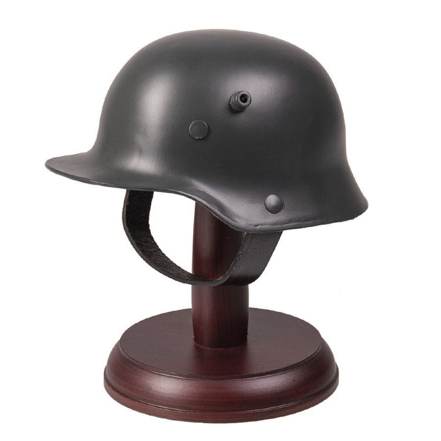 Helma nemecká M16 miniatúra so stojanom